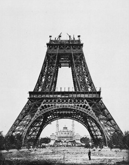 Construction_tour_eiffel