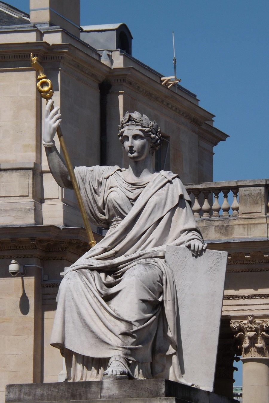 statue assemblée nat