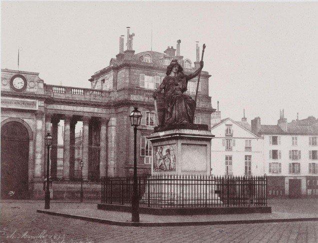 statue république palais bourbon